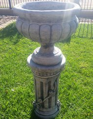 Elizabeth Urn with Large Rose Ped