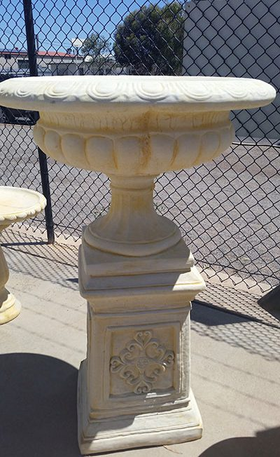 Large Jefferson Urn with Decorative Pedestal (full)